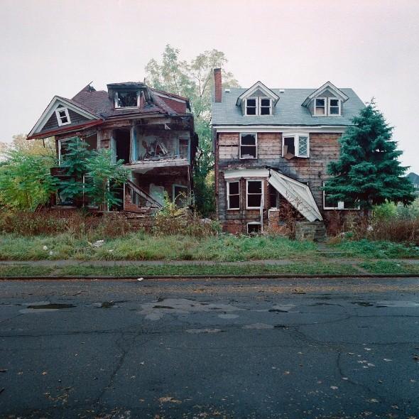 100 заброшенных домов. Изображение № 1.