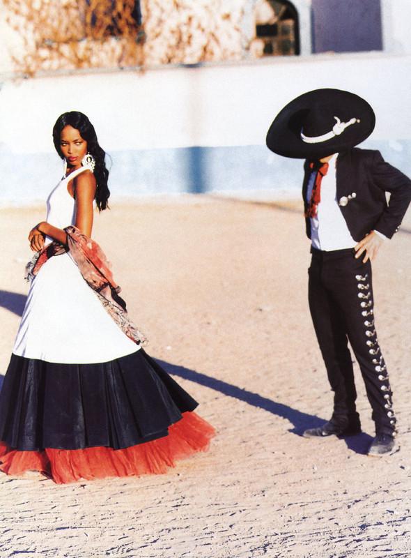 Архивная съёмка: Наоми Кэмпбелл и Эллен фон Унверт для Vogue, 1998. Изображение № 2.