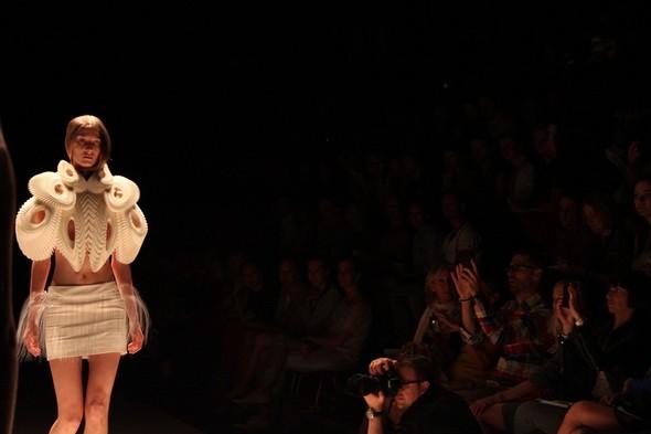 Iris van Herpen на берлинской Неделе Моды весна-лето 2012. Изображение № 11.