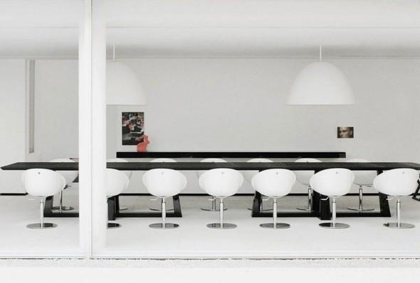 Black&white - 33 красивейших интерьера черно-белой гаммы. Изображение № 7.