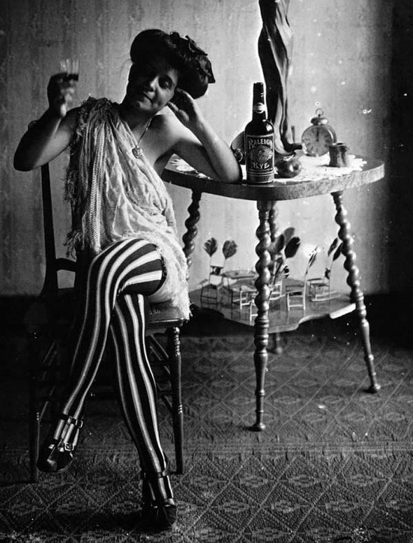 Фотосессия жриц любви 1912 года. Изображение № 7.
