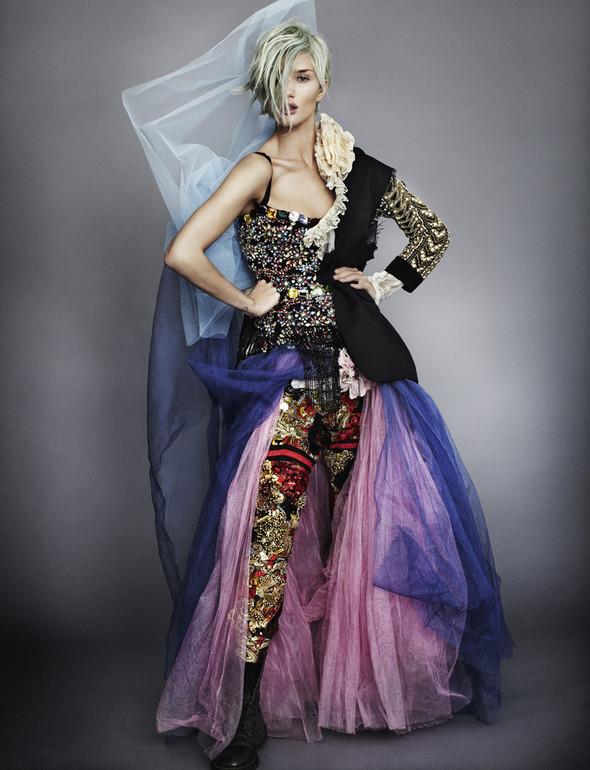Съёмка: Модели, певицы, дизайнеры и актёры для Love. Изображение № 27.