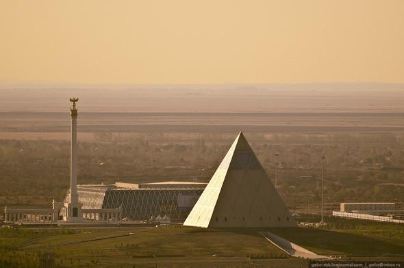 Изображение 10. Астана с высоты птичьего полета.. Изображение № 8.