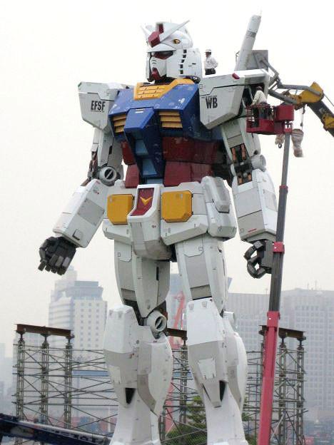 Гигантские человекоподобные роботы ужездесь!. Изображение № 1.
