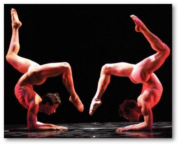 Танцевальные структуры Pilobolus. Изображение № 18.