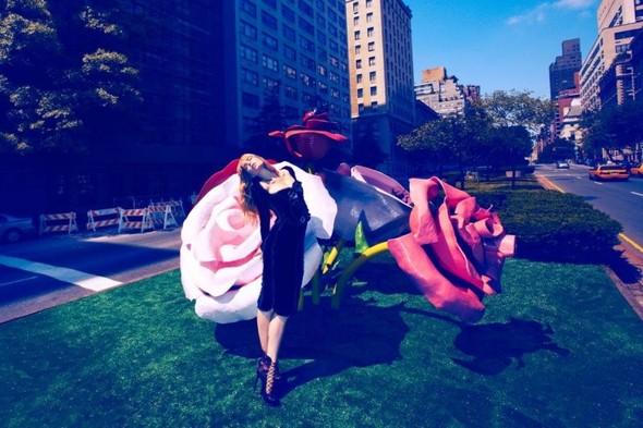 Съемка: Даутцен Крез для немецкого Vogue. Изображение № 5.