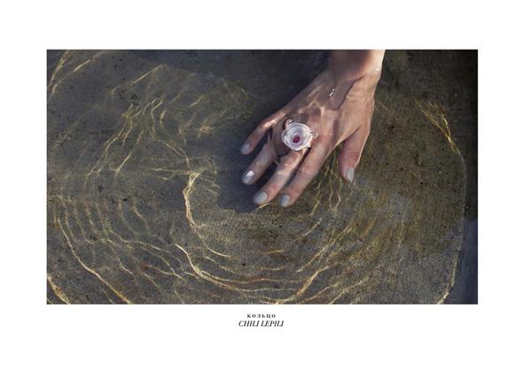 Коллекционное издание: Новые лукбуки Antipodium, Click-boutique, Jacquemus, Reiss, Surface to Air. Изображение № 25.