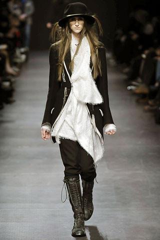 Деконструктивизм в дизайне одежды. Изображение № 4.