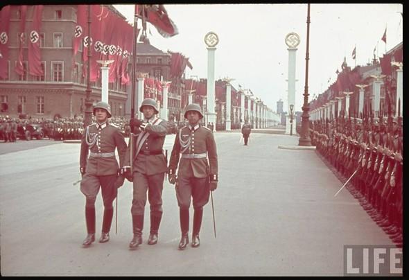 100 цветных фотографий третьего рейха. Изображение №67.