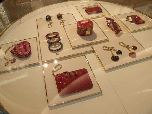 Новые магазины: Louis Vuitton в Риме, Chanel в Москве и Celine в Нью-Йорке. Изображение № 13.