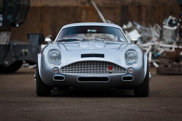 Воскрешение Aston Martin DB4 GT Zagato. Изображение № 11.