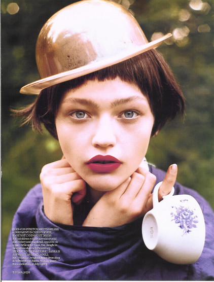 Magazine: Vogue UKJanuary 2007. Изображение № 12.