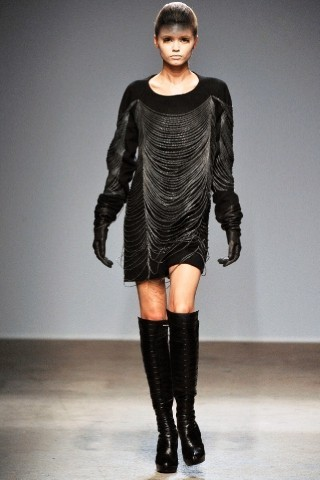 Back to black : Gareth Pugh и Victor&Rolf aw 2010-2011. Изображение № 43.