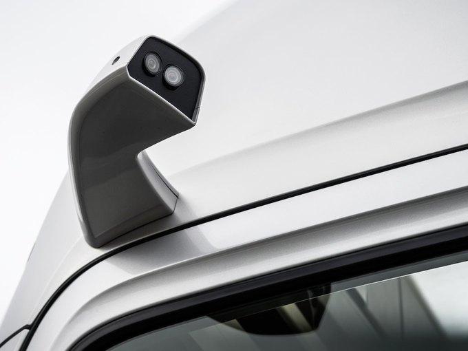 Появились новые фотографии автономного грузовика Mercedes-Benz. Изображение № 8.