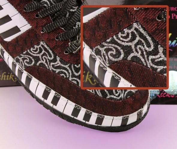 Блестящие кроссовки. Изображение № 9.