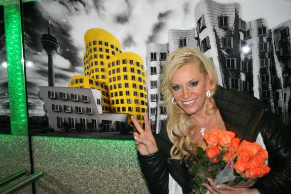 Наталия Гулькина закончила работу над сольным альбомом «Сама по себе». Изображение № 1.