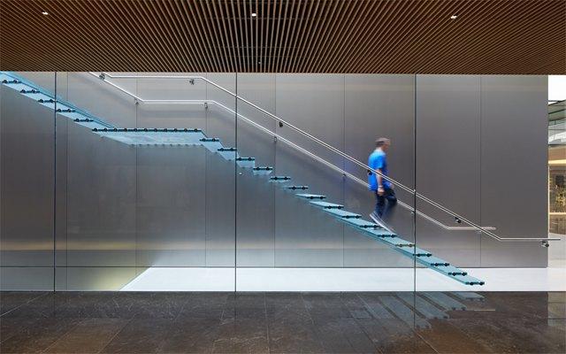 Опубликованы фотографии первого магазина Apple бюро Foster + Partners . Изображение № 5.