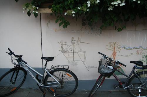 Суровый финский стрит-арт или что викинги рисуют на стенах?. Изображение № 7.