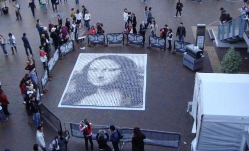 """""""Мона Лиза"""" из стаканов с кофе. Изображение № 3."""
