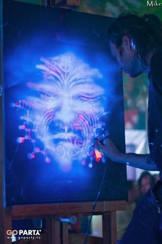 Мастер на все глюки: Люк Браун. Изображение № 3.