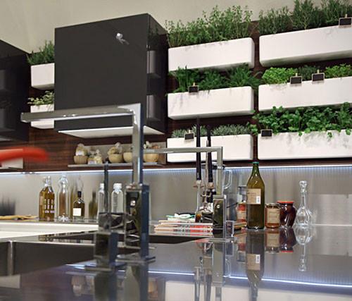 Многогранная кухня Highteak марки Salvarini. Изображение № 2.