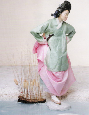 The Grace of the HanBok (Vogue Korea October 2007). Изображение № 12.