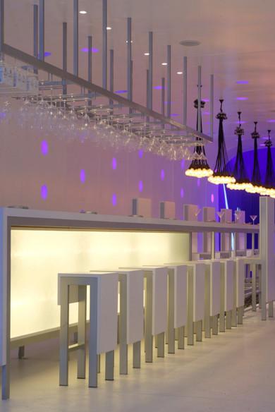 Под стойку: 15 лучших интерьеров баров в 2011 году. Изображение № 115.