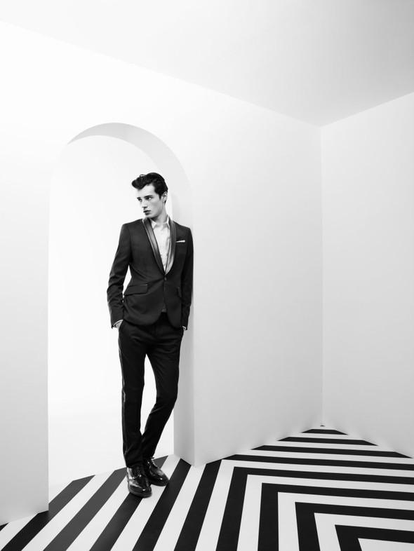 Мужские лукбуки: Barneys, Dior Homme, Opening Ceremony и Pierre Balmain. Изображение № 71.