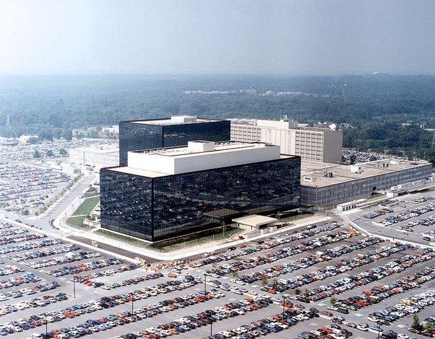 Икона эпохи: О чём Эдвард Сноуден рассказал нам. Изображение № 3.