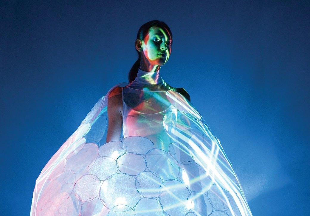Создатели интерактивной одежды Studio XO — о моде будущего. Изображение № 2.