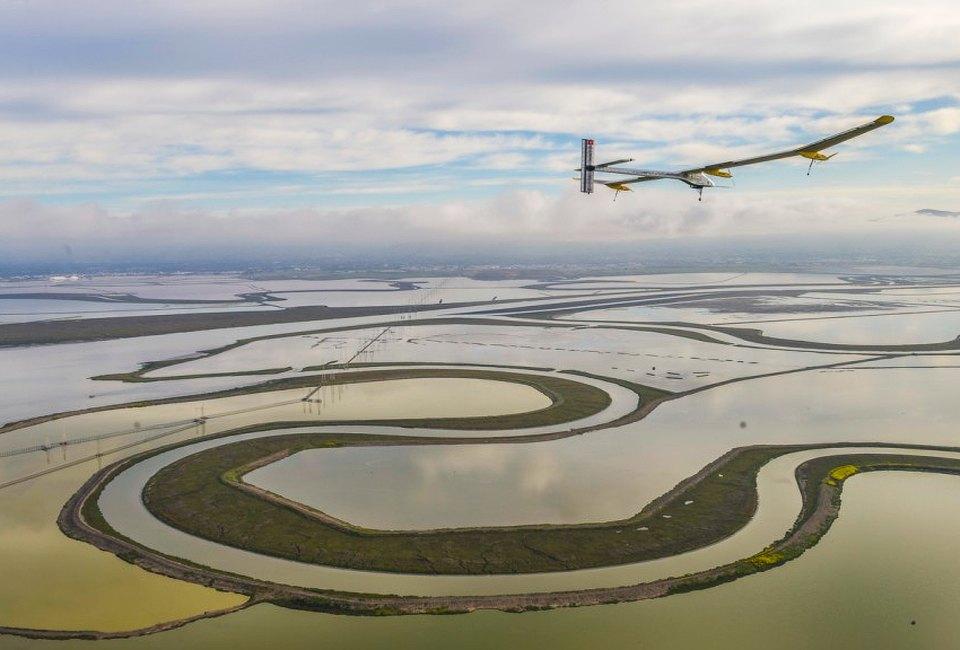 Первый самолёт  на солнечной энергии,  который долетит  на край света. Изображение №22.