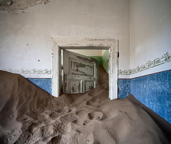 Изображение 9. Alvaro Sanchez-Montañes: город-призрак.. Изображение № 9.