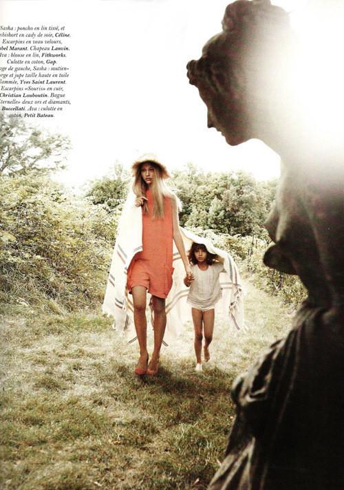 Изображение 6. Саша Пивоварова примерила на себя роль матери под прицелом камеры Микаэля Янссона.. Изображение № 6.