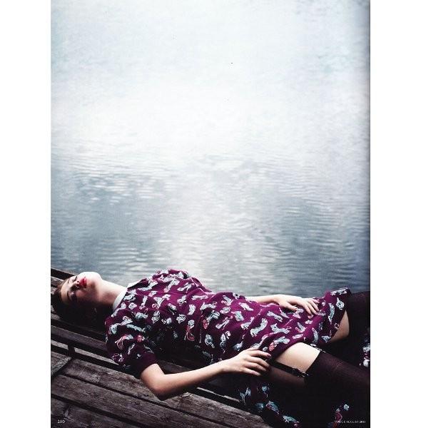Съёмка: Анаис Пульо для немецкого Vogue. Изображение № 6.