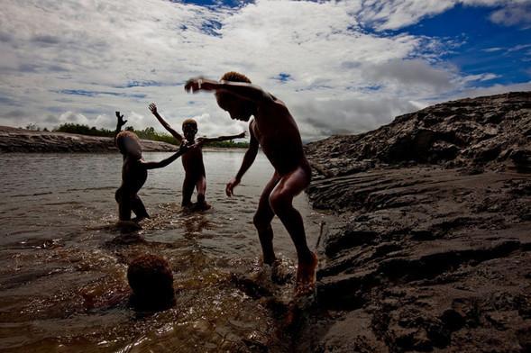Папуа Новая Гвинея отБрента Стиртона. Изображение № 41.