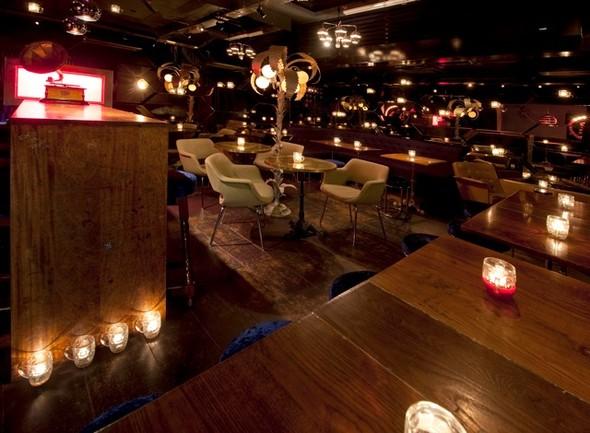 Под стойку: 15 лучших интерьеров баров в 2011 году. Изображение № 121.