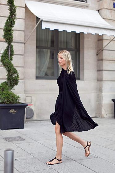 Уличный стиль на Неделе высокой моды в Париже. Изображение № 58.