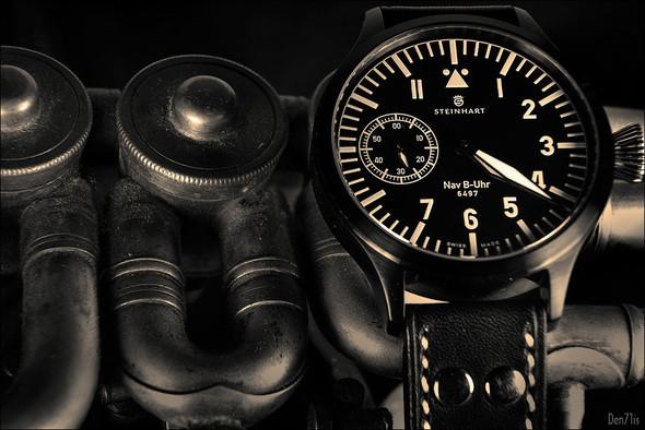 Steinhart Nav B-Uhr black. 370 EUR (19% VAT incl.). Изображение № 48.