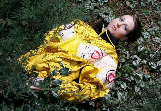Одежда из надувных кукол. Изображение № 3.
