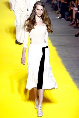 Модный дайджест: Новый дизайнер Sonia Rykiel, книга Кристиана Лубутена, еще одна коллаборация Target. Изображение № 9.
