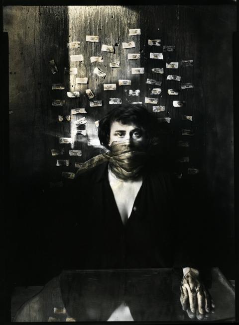 Лоурен Е. Симонутти (Lauren E. Simonutti). Изображение № 2.