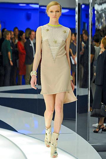 Модный дайджест: Джеймс Франко для Gucci, сари Hermes, сингл Burberry. Изображение № 10.