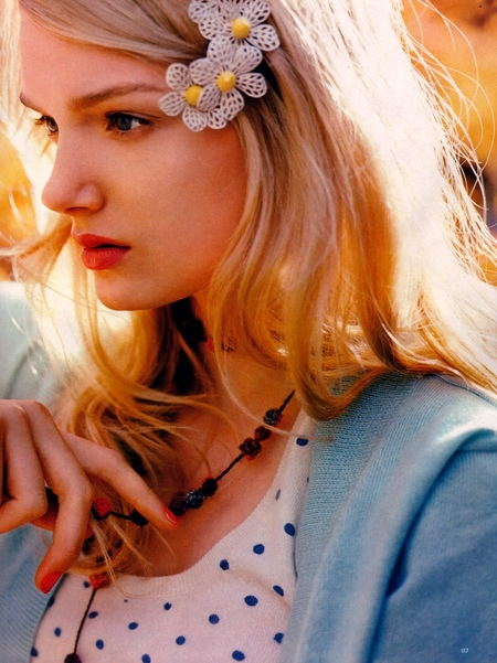 Голубоглазая блондинка. Изображение № 41.
