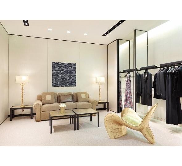 Новые магазины: Louis Vuitton в Риме, Chanel в Москве и Celine в Нью-Йорке. Изображение № 21.