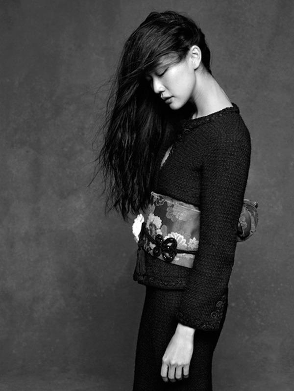 Фотовыставка Chanel «Little Black Jacket» едет в Москву. Изображение №10.
