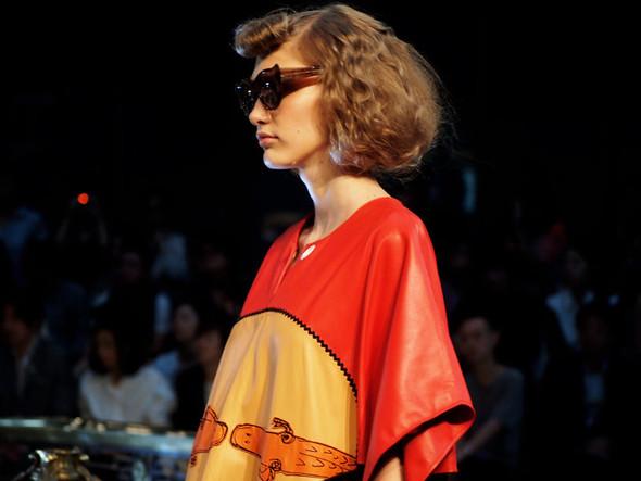 Ира Николаева на Tsumori Chisato SS 2012, фотография: Style.com. Изображение № 32.