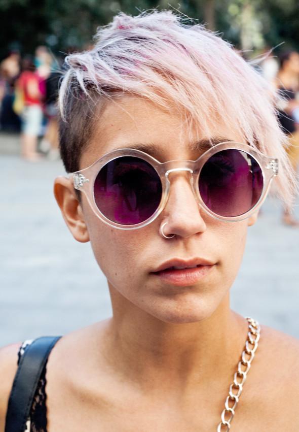 Пестрые рубашки и темные очки: Посетители фестиваля Sonar 2012. Изображение № 4.