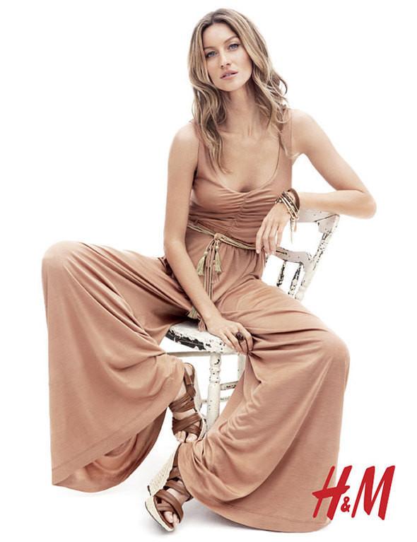 Gisele Bündchen в богемном стиле для H&M Весна 2011. Изображение № 6.