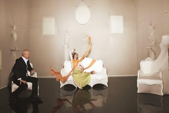 Съёмка: Жан-Поль Готье и Виктория Абриль для S Moda. Изображение № 1.