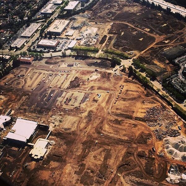 Репортёр показал стройку кампуса Apple с высоты птичьего полёта . Изображение № 9.